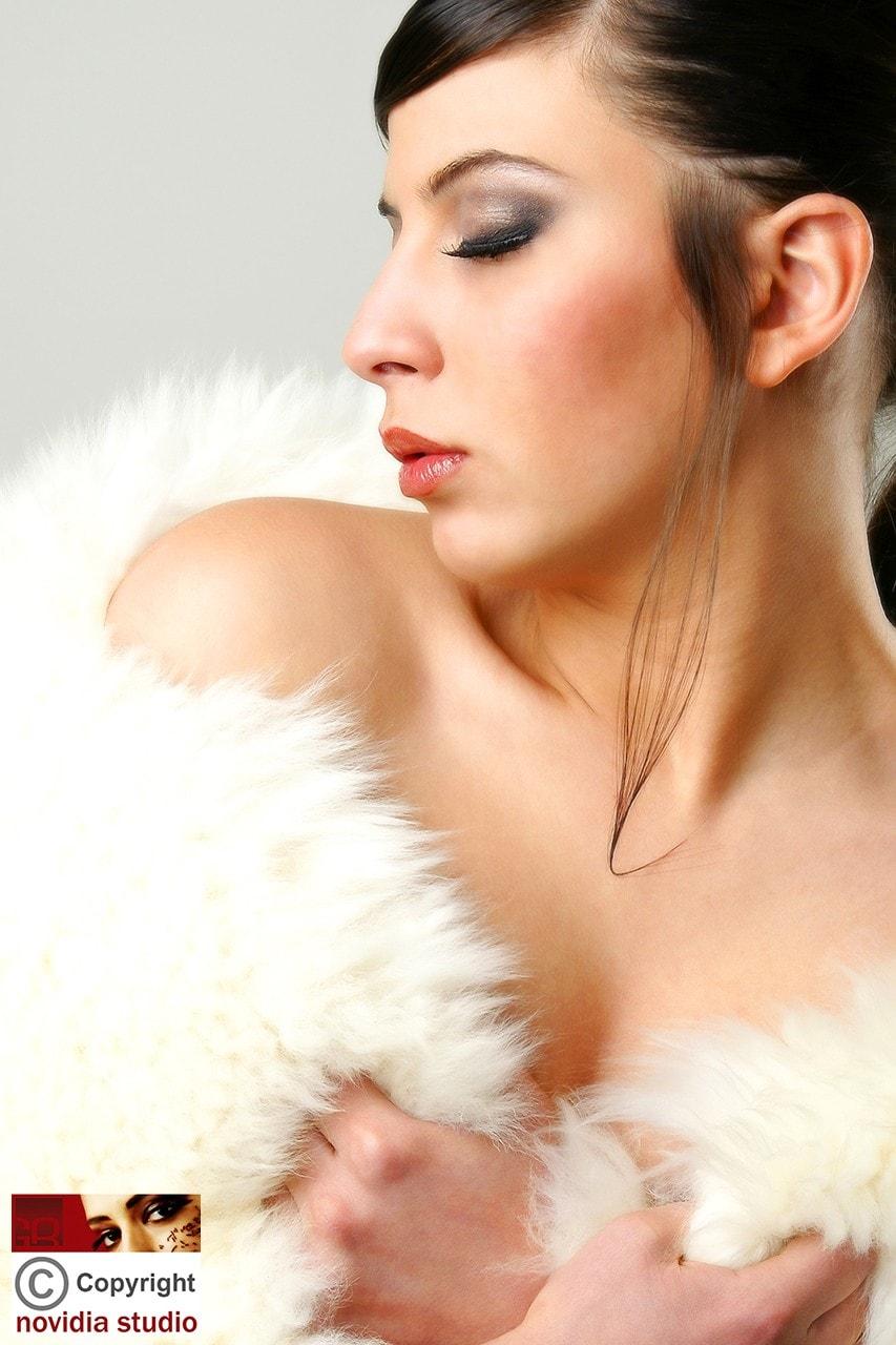 photographe lyon pour portrait femme glamour novidia studio. Black Bedroom Furniture Sets. Home Design Ideas